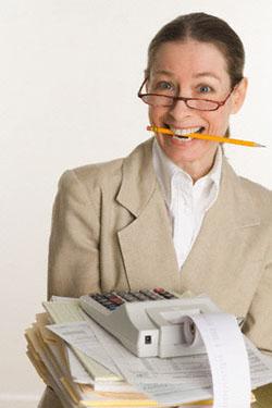 Старший бухгалтер – это промежуточное звено между рядовыми сотрудниками и руководством компании. Карьерист.ру – построй свою карьеру!